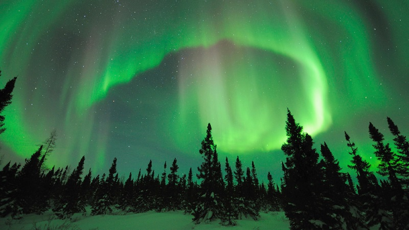 Discovering-the-Northern-Lights-of-Canada